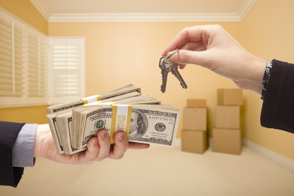 WHY CASH BUYERS ARE BEATING REAL ESTATE AGENTS